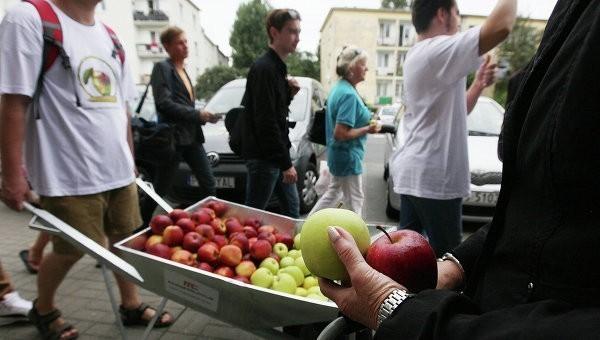 """фрукты стали """"яблоком раздора"""" для Евросоюза"""
