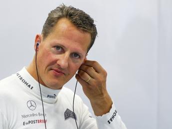 Шумахер прикован к инвалидному креслу