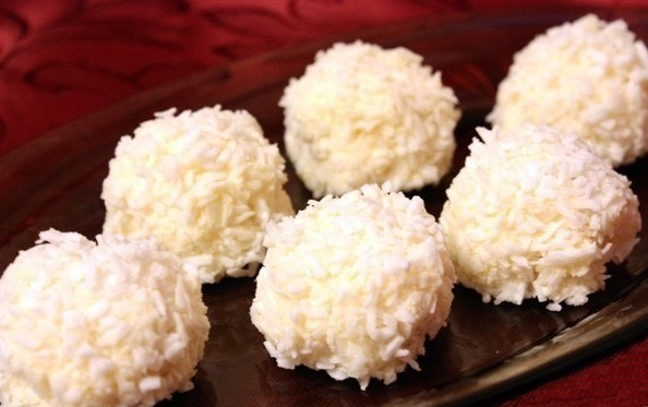 Домашние конфеты из творога и кокосовой стружки
