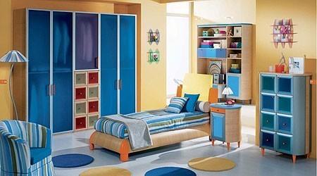 комната для мальчика в спортивном стиле