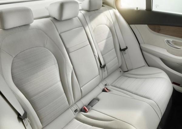 Mercedes-Benz C-Class задние сиденья
