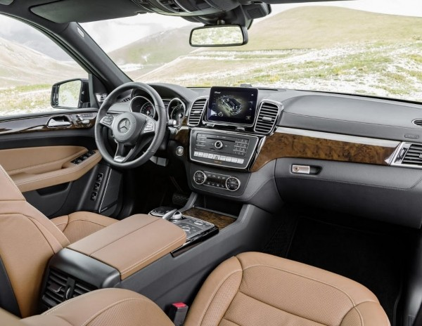 Mercedes GLS 2016–2017 фото салона