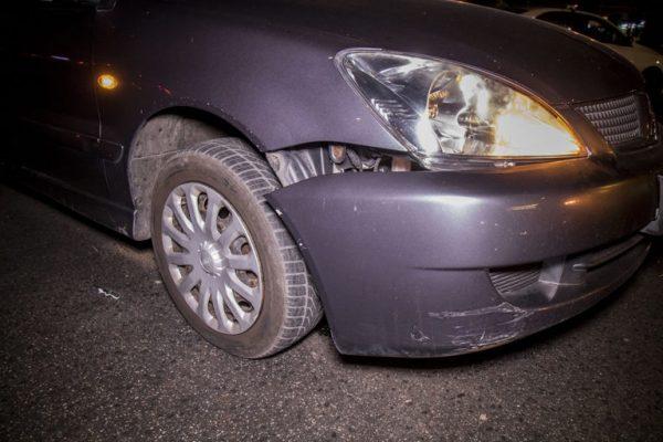 В Киеве не разминулись Nissan и Volkswagen
