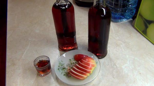 Приготовление кедрового ликера