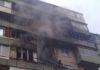 В Киеве ребенка эвакуировали из горящей квартиры через окно